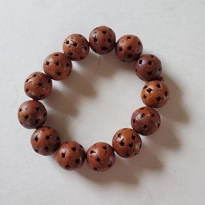 Wooden elastic bracelet